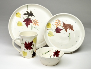 pine-ridge-leaves-plates